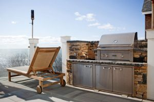 Narragansett, RI – Custom exterior patio with built-in grill and lobster boiler